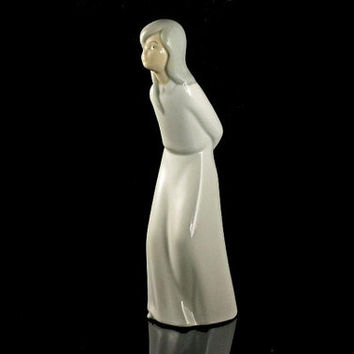 Girl Figurine, Porcelanas Miquel Requena, Spanish Porcelain, Collectible, Made in Spain