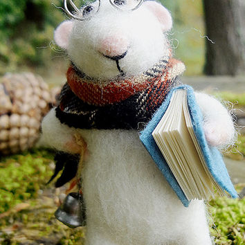 Needle Felted Animal - Little Mouse Reader -Needle Felted Art Doll - Waldorf animal
