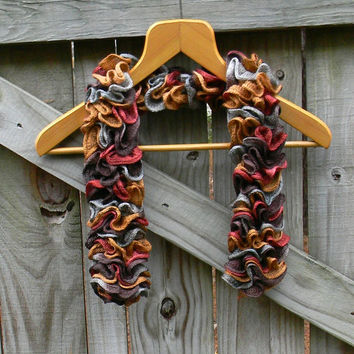 Ruffle Scarf, Autumn Colors, Harvest Bernat Twist and Twirl Scarf