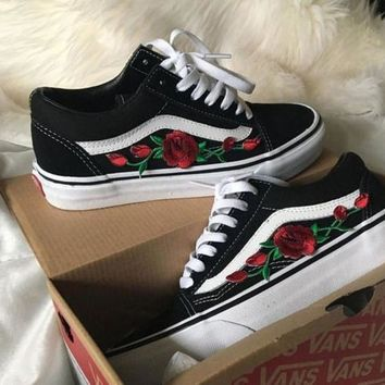 61767cbeabc122 Vans Classics Old Skool Rose Embroidery Black Sneaker Shoes