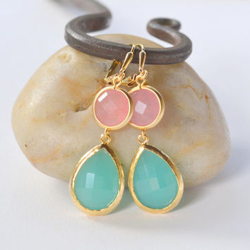 Large Turquoise Teardrop and Coral Pink Circle Stone Dangle Bridesmaid Earrings in Gold.  Glass Drop Earrings. Turquoise Dangle Earrings.