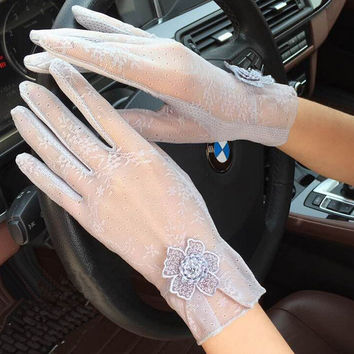 New Fashion Summer Lace Gloves For Women Sunscreen Anti-UV Thin gloves with Flowers Women's Spring Driving Gloves