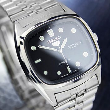Men's Vintage Seiko Automatic Day/date Classic Dress Watch with Black Dial c. 1973