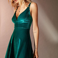 UO Heart Of The Ocean Sweetheart Velvet Mini Dress | Urban Outfitters