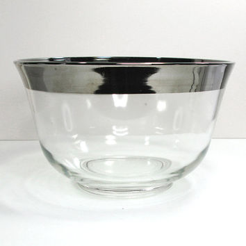 Mad Men style silver-rim glass punch bowl - Vintage Dorothy Thorpe style punch bowl with silver band - Mid-century barware