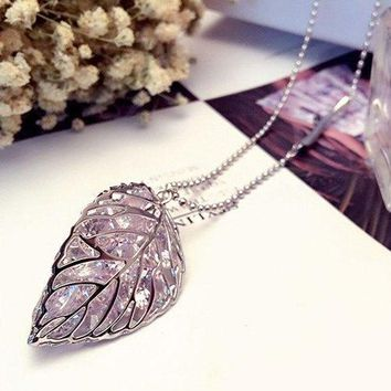 Bling Bling Leaf Shape Pendant Sweater Chain For Women - Silver