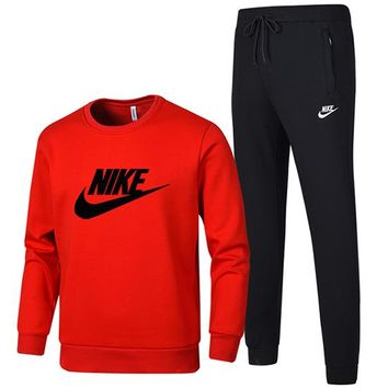 NIKE 2018 autumn and winter new sportswear sets of men's round neck closing trousers cotton casual two-piece red