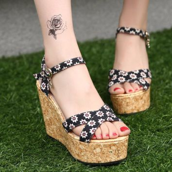 Beautiful Floral Design Ankle Platform Wedges