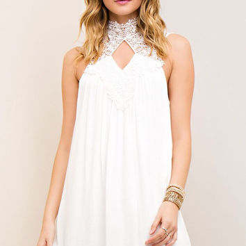 Off White Lace Collar Crinkle Shift Dress