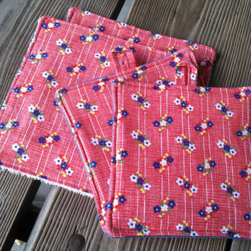 Kitchen Set / Vintage Fabric Red Floral Dish Rags / Set of 2 Homemade Pot Holders with Coordinating 2 Dish Rags / Wedding Gift  Holiday Gift