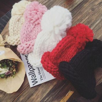 PEAP9GW Fashional Woman Hat Winter 2016 Chapeu Hats Female Winter Thickening Gorro Invierno Knitted Cap Korean Version Big Ball CY58