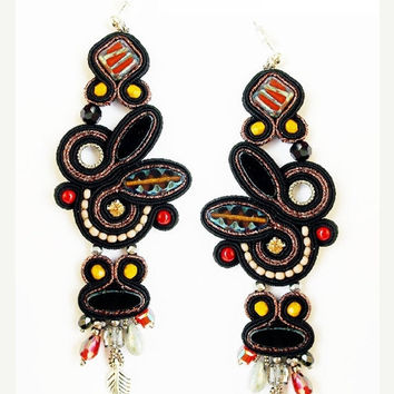 Soutache dangle earrings. Bohemian black jewelry. Soutache handmade earrings.