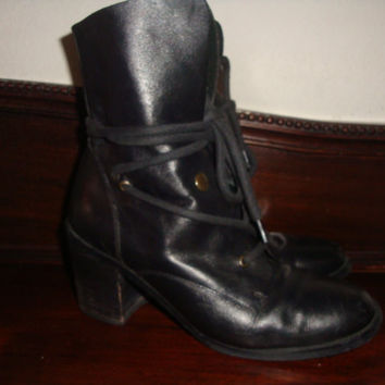 vintage chunky tie around ankle BOOTS  black leather lacer boots hipster  8 1/2 M Chile made Indie