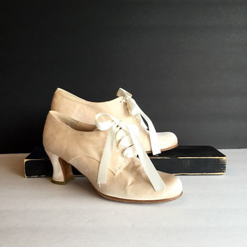 Vintage Kenneth Cole Satin Wedding Shoes Made in Spain Size 8.5