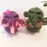2 DOLLs CTHULHU AMIGURUMI (Includes 1 green cthulhu and 1 pink cthulhu )crochet horror cosmic Lovecraft crochet original novel writter