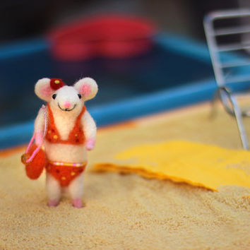 Needle Felted Mouse, Needle Felted Animal, Felt Mouse, Mouse Miniature, Wool Mouse, Soft Sculpture Animal, Summer, Beach, Bikini, Sea