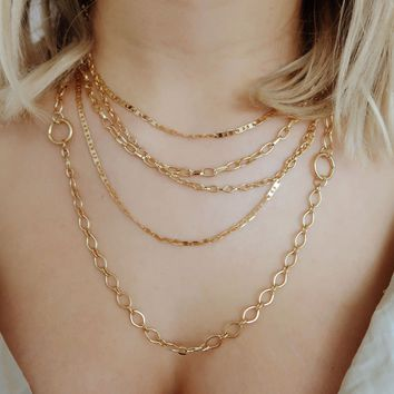 Meet Me In The Middle Necklace: Gold