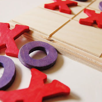 Wooden -HUGS n KISSES- Valentines Day Tic Tac Toe Game