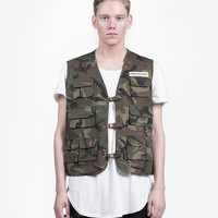 Woodland Camo Multi-Pocket Cargo Vest