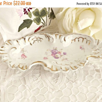 FALL SALE Antique Pin Dish, Boudoir Decor, French Farmhouse, Porcelain Pin Dish, Shabby Chic Boudoir, Cottage Chic Decor, Victoria Carlsbad