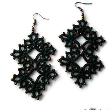 Christmas earrings -Tatted earrings in forest green-Lace earrings-Gift for her-christmas gift