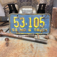 1959 Missouri License Plate Vintage Metal 1950s Collectible Automotive Decor