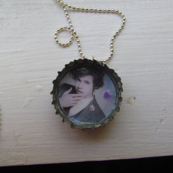 "Harry Styles (One Direction) Bottle Cap Necklace, 18"" Silver Ball Chain"