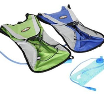 2 Litre Hydration Pack/Backpack Bag Running/Cycling With Water Bladder And Straw