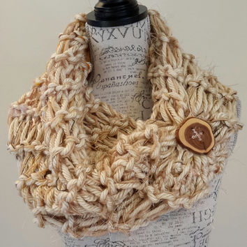 Knit Cinnamon Roll Button Cowl. crochet chunky infinity scarf. Made by Bead Gs on ETSY. double stitch