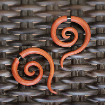 Fake Gauge Earrings, Saba Wood Spiral Gauges Wooden Earrings, 1 Pair Fancy Long Tail Faux Gauge Earrings FGW-0106