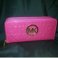 HOLD✨💗 PINK MICHAEL KORS WALLET💗✨