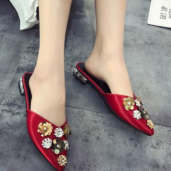 Fashion Women Flower Pointy Toe Slippers Shoes Low Heels Flats Mules Sandals Hot