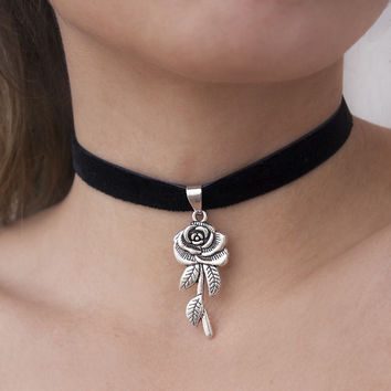 The Love Spell Choker