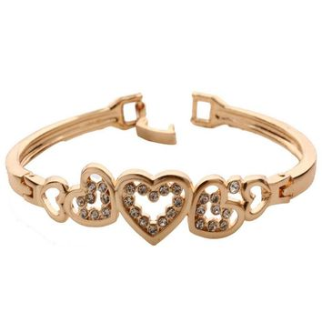 1Pcs Crystal Heart Shape Cuff Bangle Fresh Temperament Fashion Jewelry Summer Style Dress accessories