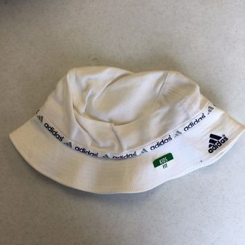 BRAND NEW ADIDAS WHITE BUCKET HAT SMALL LOGO KIDS FIT SHIPPING
