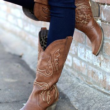 Very Volatile: Raspy Cowgirl Boots {Taupe}