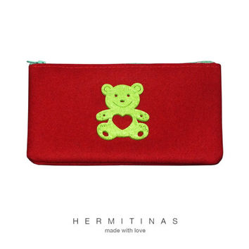 Red fabric pencil case, Red Felt purse, Red  Red Fabric purse, Red toilet bag with green felt bear, Fabric purse with bear, Red Zipper pouch