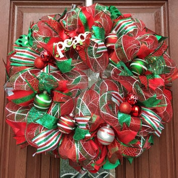 Deco Mesh Christmas Wreath // Traditional Holiday wreath // red emerald green mesh wreath