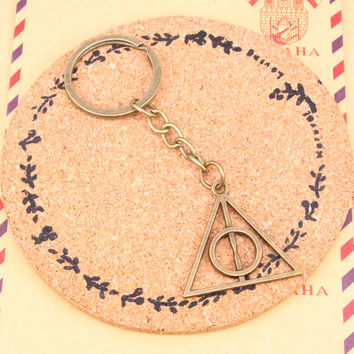 2pcs Bronze Pendant Metal Key Chains Accessory,28mm Key Ring Vintage harry potter deathly hallows Keychain Free Shipping