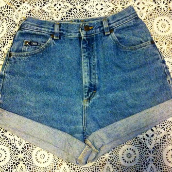 High Waisted Cuffed Shorts Milky Fr3sh