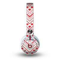 The Hearts and Dots Vector ZigZag Pattern Skin for the Beats by Dre Mixr Headphones
