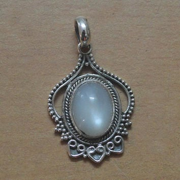 Moonstone Pendant,Sterling Silver Rainbow Moonstone Necklace,Long Genuine 925 Solid Sterling Silver Handmade Jewelry,Cabochons Best flashy