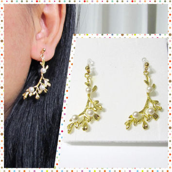 Wedding clip-on earrings, bridal clip-on earrings, branch leaf clip on earrings, 6G, Non Pierced earrings, Invisible clip on earrings