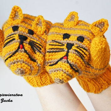 Orange , Mustard  Stripped Cat Animal mittens, Crochet Mittens/ gloves in handmade-warmers , Stripped gloves