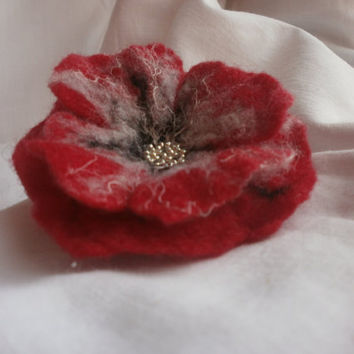Red Flower brooch,felt flower ,wet felt wool linen flower ,owers, black red gray felt flower brooch poppy , hair accessories, gift herred fl
