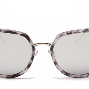 Cat Eye Metal Tip Sunnies