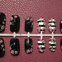 Hand painted presson nails black and white by MichelleNailBoutique