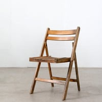 vintage folding chair / wood slat camp chair