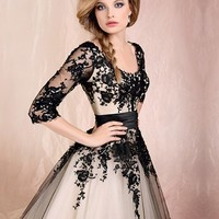 Black Lace Ball Gown Round Neckline Half-sleeves Knee Length Prom