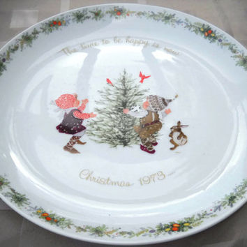 Vintage 1973 Holly Hobbie Plate, CollectibComememorative Christmas Plat - Porcelain Holiday Winter Decor - Children Snow Bunny Cardinal